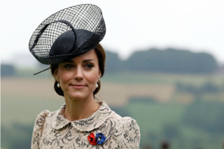 Le 16 regole del galateo che Kate Middleton rispetta sempre