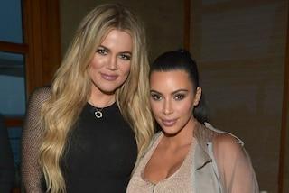 Khloe Kardashian difende la sorella Kim ed esalta la sua incredibile forma fisica