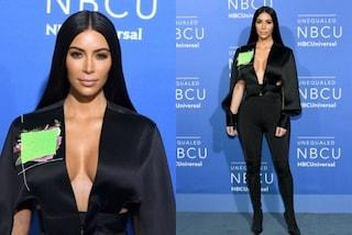 Kim è tornata, la Kardashian fa dimenticare ai fan la cellulite con la scollatura hot