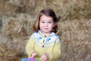 Charlotte compie 2 anni: la foto di compleanno della principessa spopola sul web