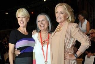 Da Virna Lisi a Carla Fracci, le donne dello spettacolo vestite da Laura Biagiotti