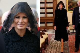 Melania Trump in nero e con il velo: il look monacale per l'incontro con il Papa