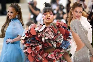 Gisele scintillante, Rihanna in 3D: i look delle star al Met Gala 2017