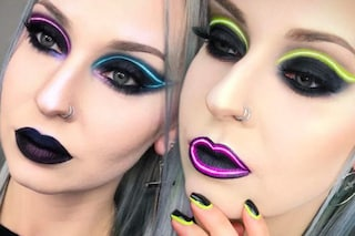 Neon lights make up, il trucco fluo che spopola su Instagram