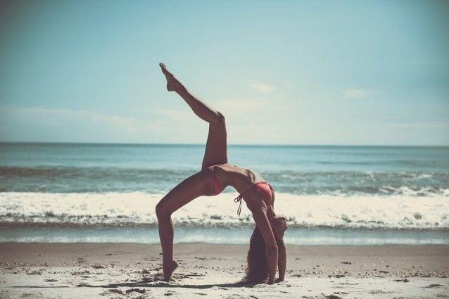 asana yoga per ridurre il grasso delle braccia
