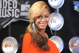 "Addio nomi strani, Beyoncé e Jay-Z scelgono nomi ""normali"" per i gemelli"
