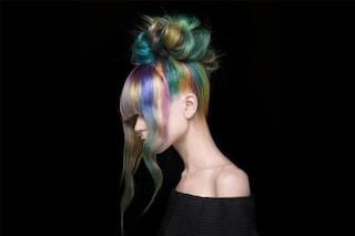 Capelli multicolor, quest'estate osa con il colore
