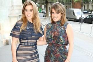Abiti nude e tacchi alti, Beatrice ed Eugenie: come sono diventate le cuginette reali