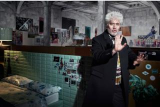 Pedro Almodóvar debutta nella moda: è lui il nuovo testimonial Prada