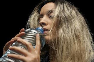 Bere acqua aiuta a dimagrire e migliora il metabolismo, ecco perché