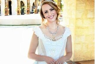 Realizza un abito da sposa in carta igienica, il risultato è spettacolare
