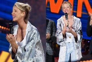 Alessia Marcuzzi pazza per il kimono, lo indossa al Wind Summer Festival