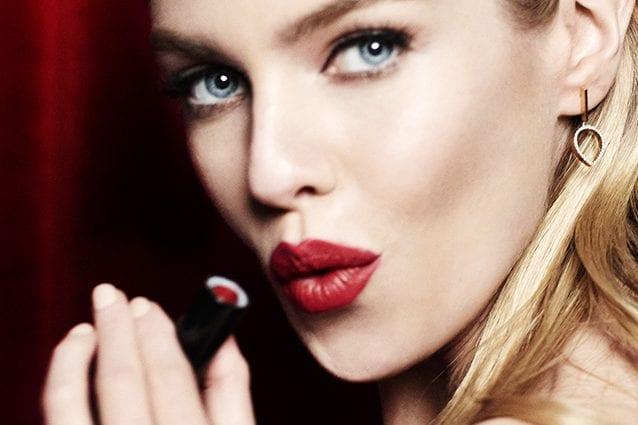 Stella Maxwell per Max Factor Velvet Mattes Lipstick Collection