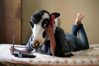 Vale più una donna o una mucca? Il progetto fotografico per difendere i diritti femminili