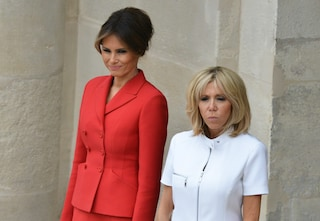 Melania Trump Vs Brigitte Macron: a Parigi il confronto di stile tra First Lady