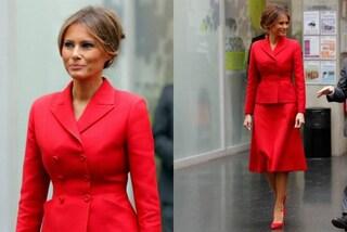 Melania Trump dice addio ai colori pastello: a Parigi punta sul rosso fuoco