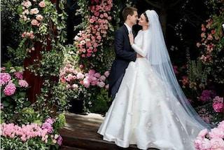 Miranda Kerr in bianco, il vestito da sposa della modella a due mesi dalle nozze