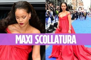 """Rihanna alla prima di """"Valerian e la città dei mille pianeti"""": seno esplosivo e abito rosso"""