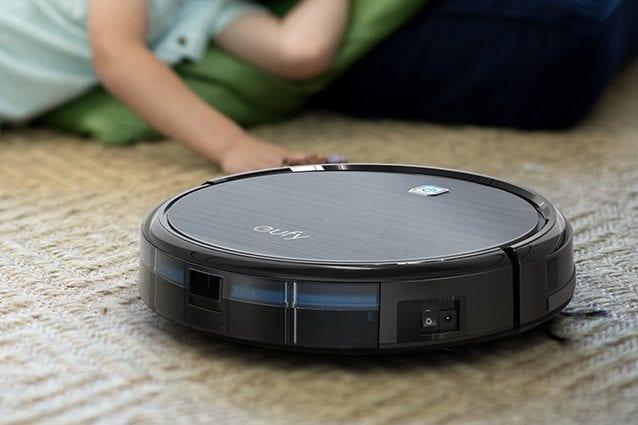Robot aspirapolvere, uno dei modelli in vendita a 154 euro.