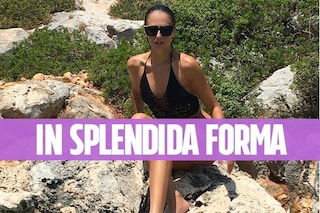 Anna Safroncik abbronzatissima sui social: l'attrice non rinuncia ancora ai bikini