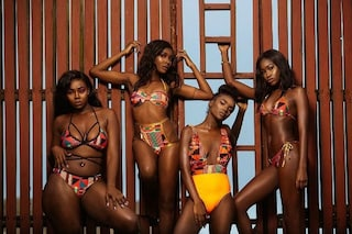Bikini decorati con le stampe africane: la linea della studentessa va in sold out