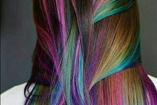 """Voleva i capelli unicorno ma è rimasta calva: """"Non fate la decolorazione a casa"""""""