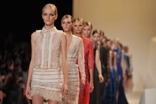 Stop alle modelle anoressiche: Lvmh e Kering firmano la carta per la salute in passerella