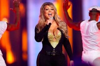 Mariah Carey presa di mira sul web: nasconde le curve ritoccando le foto con Photoshop
