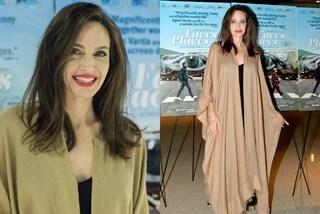 Angelina Jolie con il plaid: addio cappotto benvenuta coperta