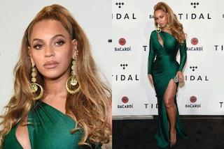 Maxi spacco e scarpe ricoperte di cristalli: il gran ritorno di Beyoncé sul red carpet