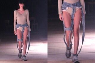 Arrivano i jeans-tanga: hanno solo le cuciture e rivelano parti intime e lingerie