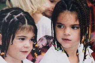 Insebarabili fin da bambine: Kendall e Kyle Jenner postano un dolce scatto dell'infanzia