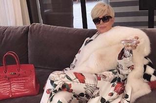 Kris Jenner bionda per un giorno: la mamma delle Kardashian ha indossato solo una parrucca