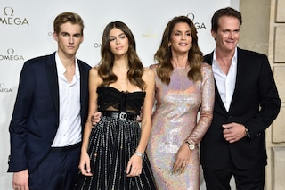 La famiglia Crawford-Gerber al completo: sono loro i più belli del red carpet