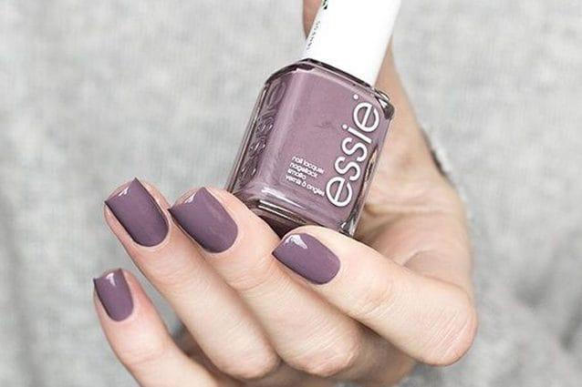 Il colore per le unghie dell\u0027autunno merino cool