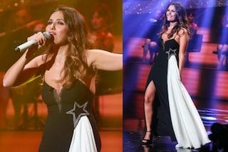 """Serena Rossi sul palco di """"Celebration"""" osa con il maxi spacco"""