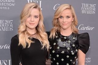 Ava, la figlia di Reese Witherspoon come una principessa al Ballo delle Debuttanti