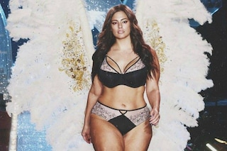 Ashley Graham contro Victoria's Secret: anche la curvy indossa le ali d'angelo
