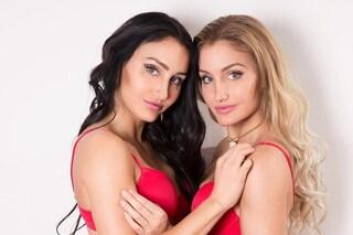 Stephanie e Julia, le gemelle che si pagano gli studi pubblicando foto sexy su Instagram