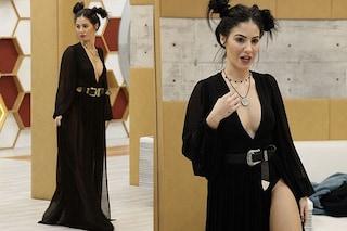 """Giulia è """"nuda"""": il sexy look della De Lellis per la semifinale del GF Vip 2"""