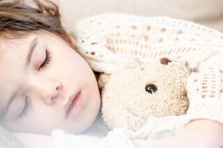 Tu figlio fa la pipì a letto? Ecco come eliminare il disturbo