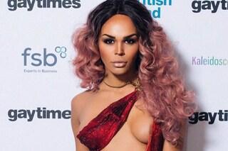 Minacciata con l'acido sui social, la modella transgender denuncia gli haters