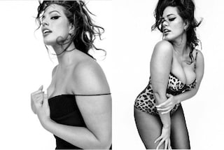 Bustino leopardato e décolleté in mostra: Ashley Graham in intimo è più sexy che mai