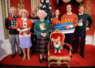 Da Kate Middleton alla regina: anche i reali inglesi indossano i maglioni di Natale