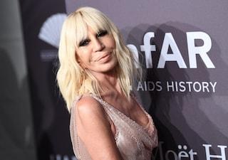 Donatella Versace celebra i 20 anni di carriera: riceverà il Fashion Icon Award