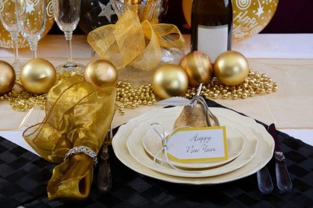Decorazioni Sala Capodanno : Come apparecchiare la tavola di capodanno regole e consigli per