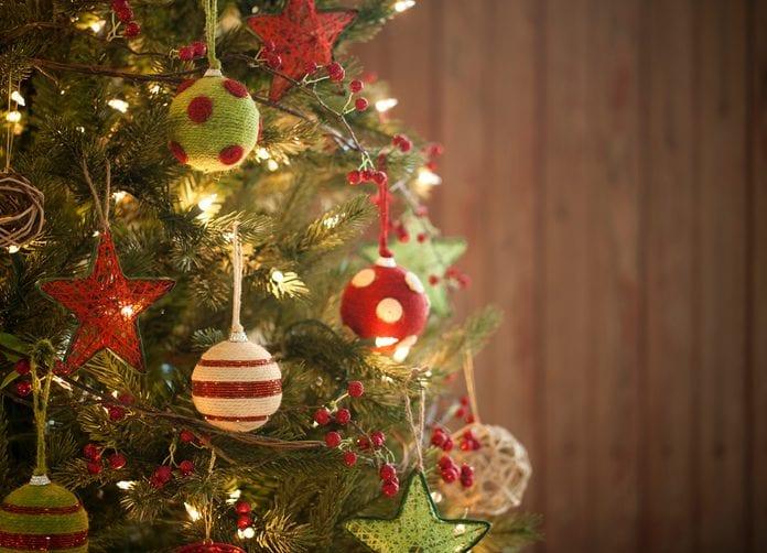 Albero Di Natale Con Decorazioni Blu : Come decorare l albero di natale idee e le regole per