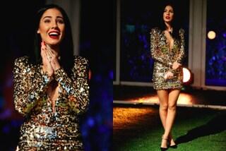 Giulia De Lellis, abito con le paillettes oro per la finale de GF Vip 2
