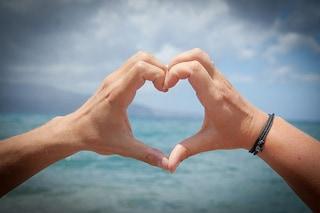 """Se ti mancano le parole dichiarati con un simbolo: 5 modi originali per dire """"Ti amo"""""""