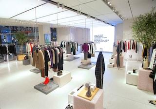 Rivoluzione da Zara, apre il primo negozio dedicato agli ordini online